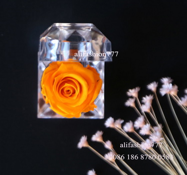 Preserved rose in Crystal Ring Box-01