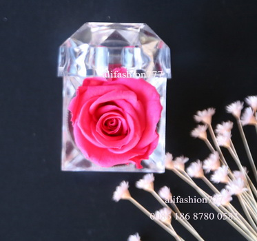 Preserved rose in Crystal Ring Box-03